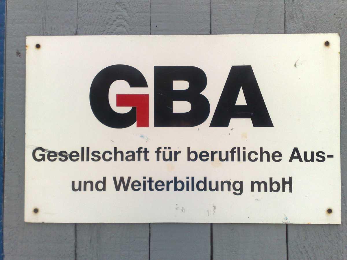 """4 Monate ist es nun her das ich darüber geschrieben habe, das ich eine 4Monatige Weiterbildung zum Baumaschinenführer bei der GBA mbH in Recklinghausen mache. Diese 4 Monate sind nun endlich rum und ich darf mich offiziell """"Baumaschinenführer"""" nennen."""